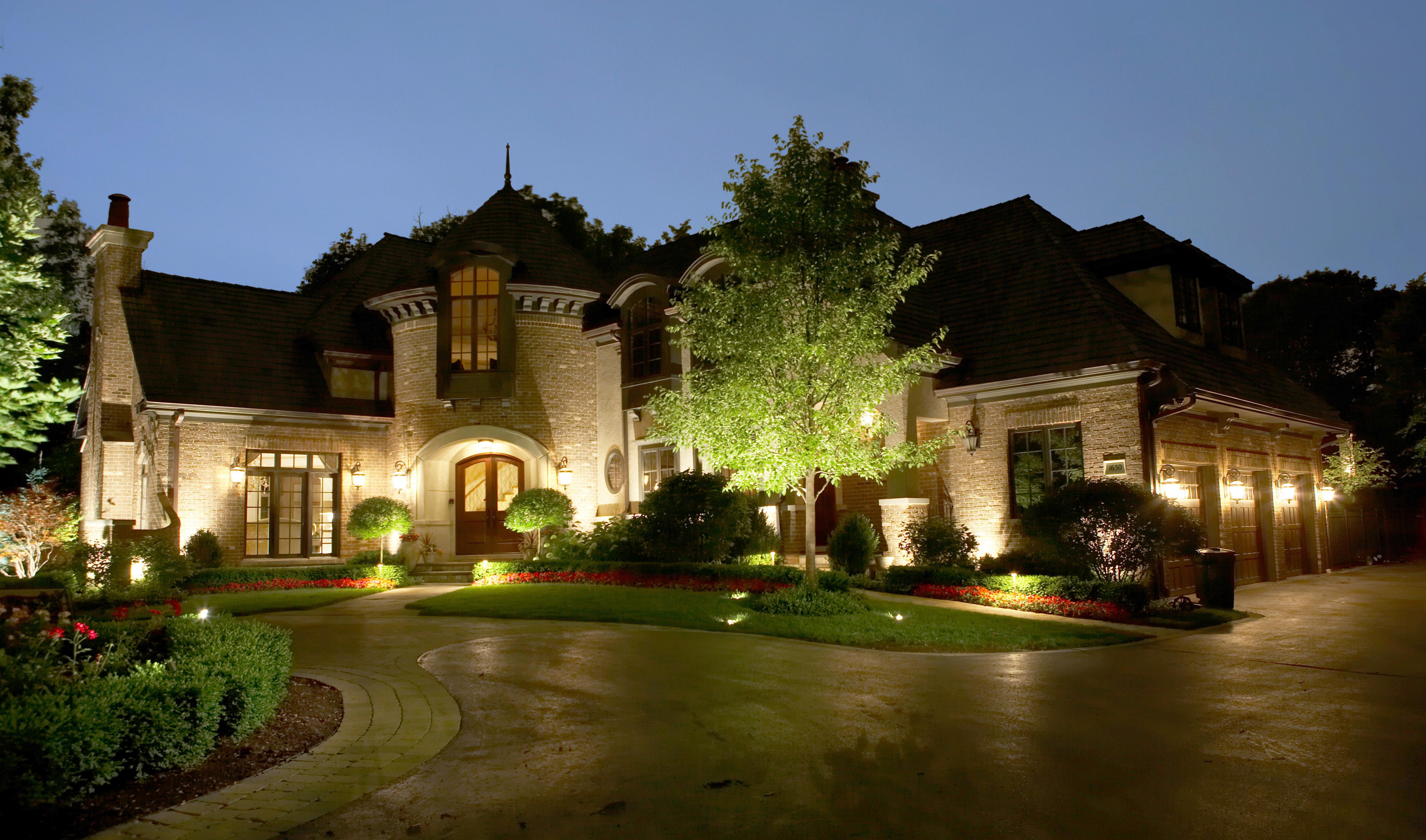 five landscape lighting design mistakes