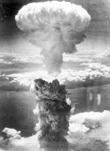 320060_edit_Nagasaki-bomb