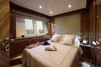 DRAGON yacht image # 7