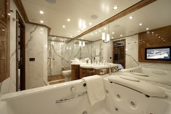 DRAGON yacht image # 8