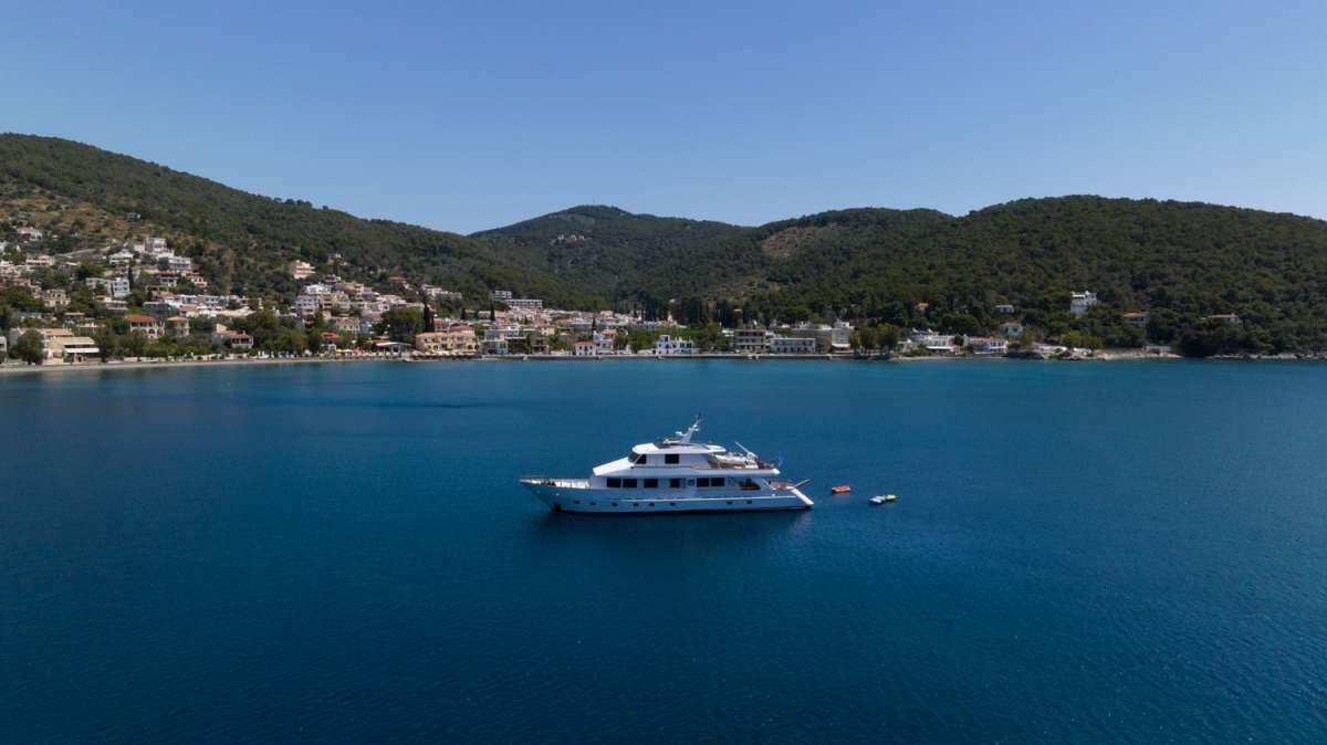 ELENA yacht main image