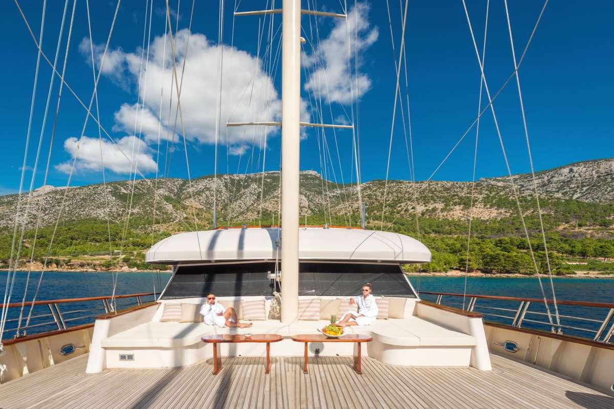 Image of SON DE MAR yacht #10