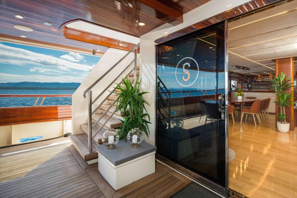 Image of SON DE MAR yacht #3