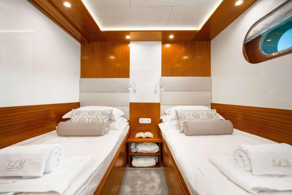 Image of SON DE MAR yacht #6