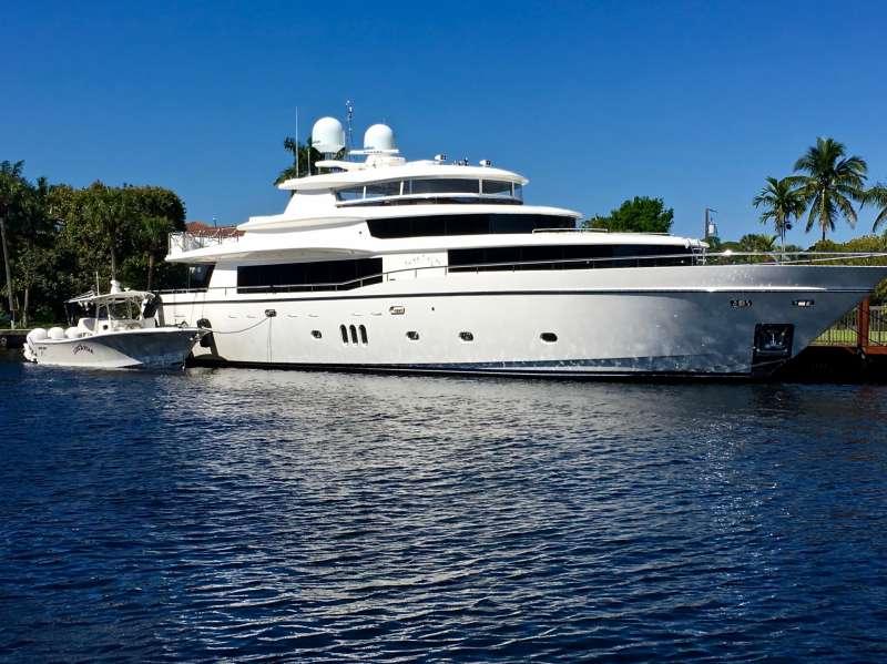 Main image of LONE STAR yacht
