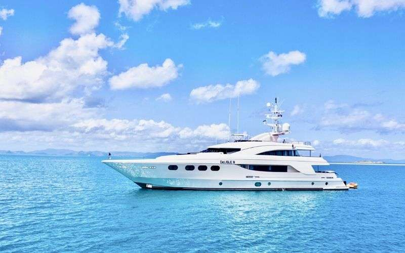 Main image of DE LISLE III yacht