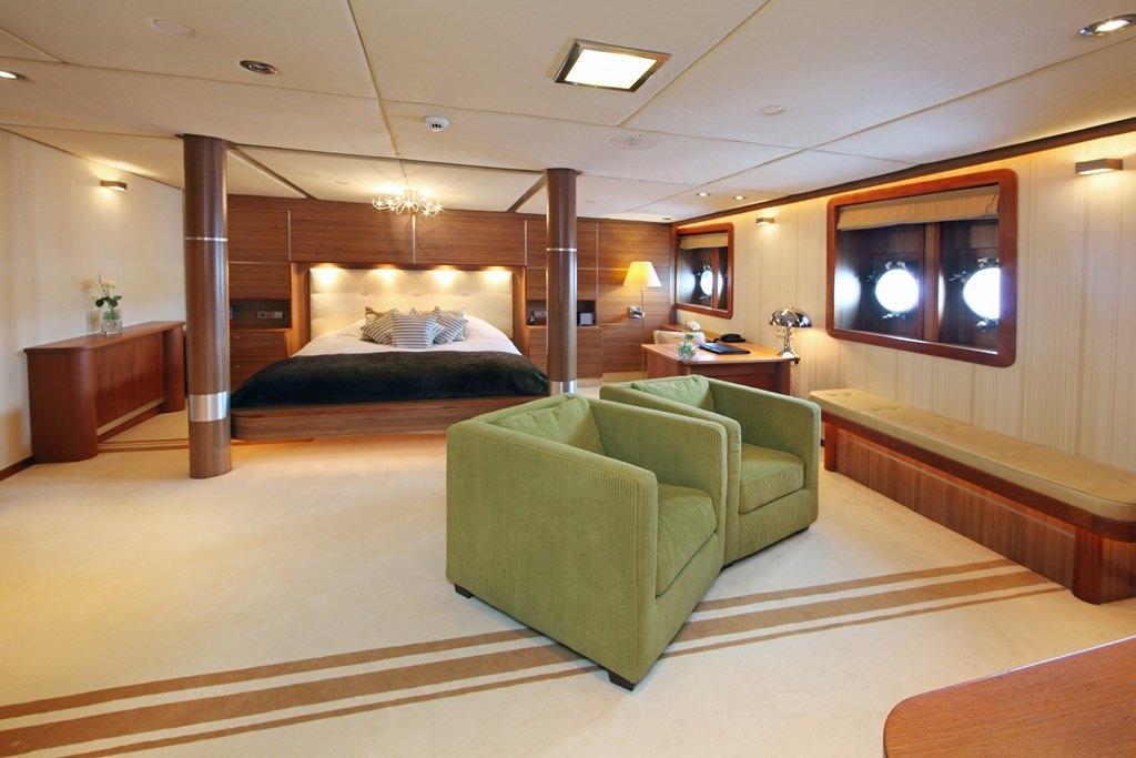 SHERAKHAN yacht image # 13