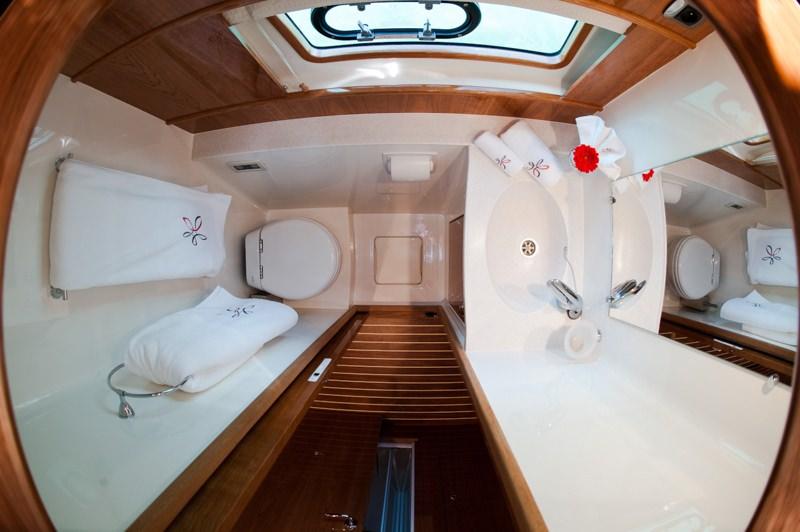 ELYSIUM yacht image # 8