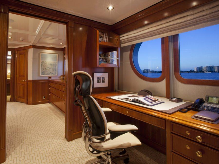 MILK & HONEY yacht image # 9