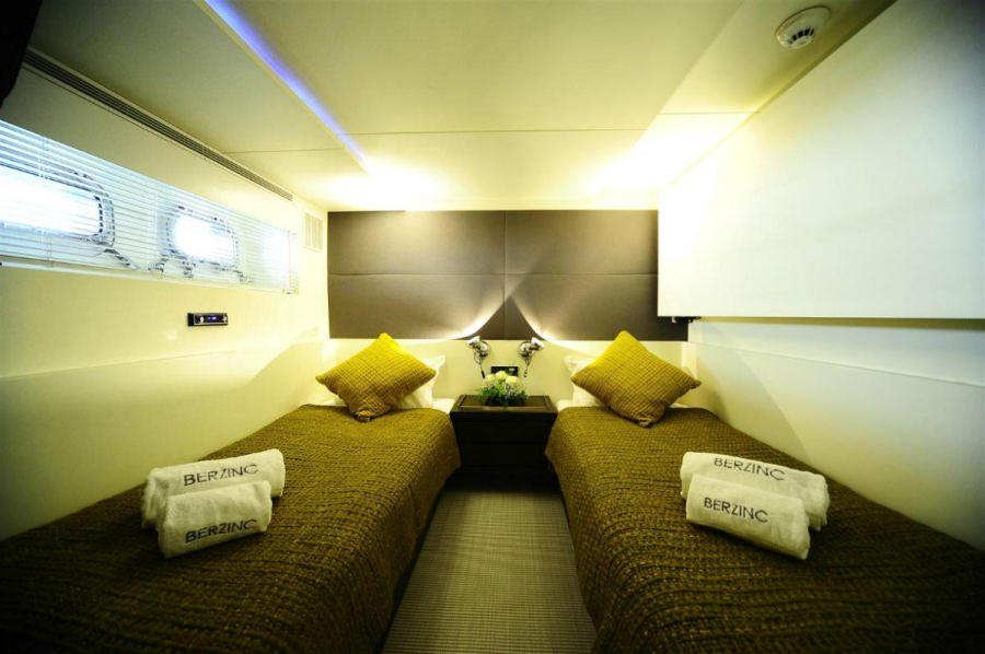 Image of BERZINC yacht #10