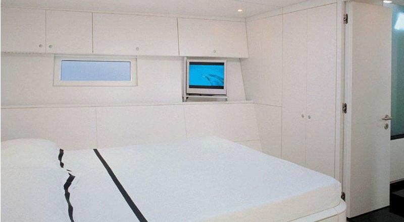 Image of DARK SHADOW yacht #8