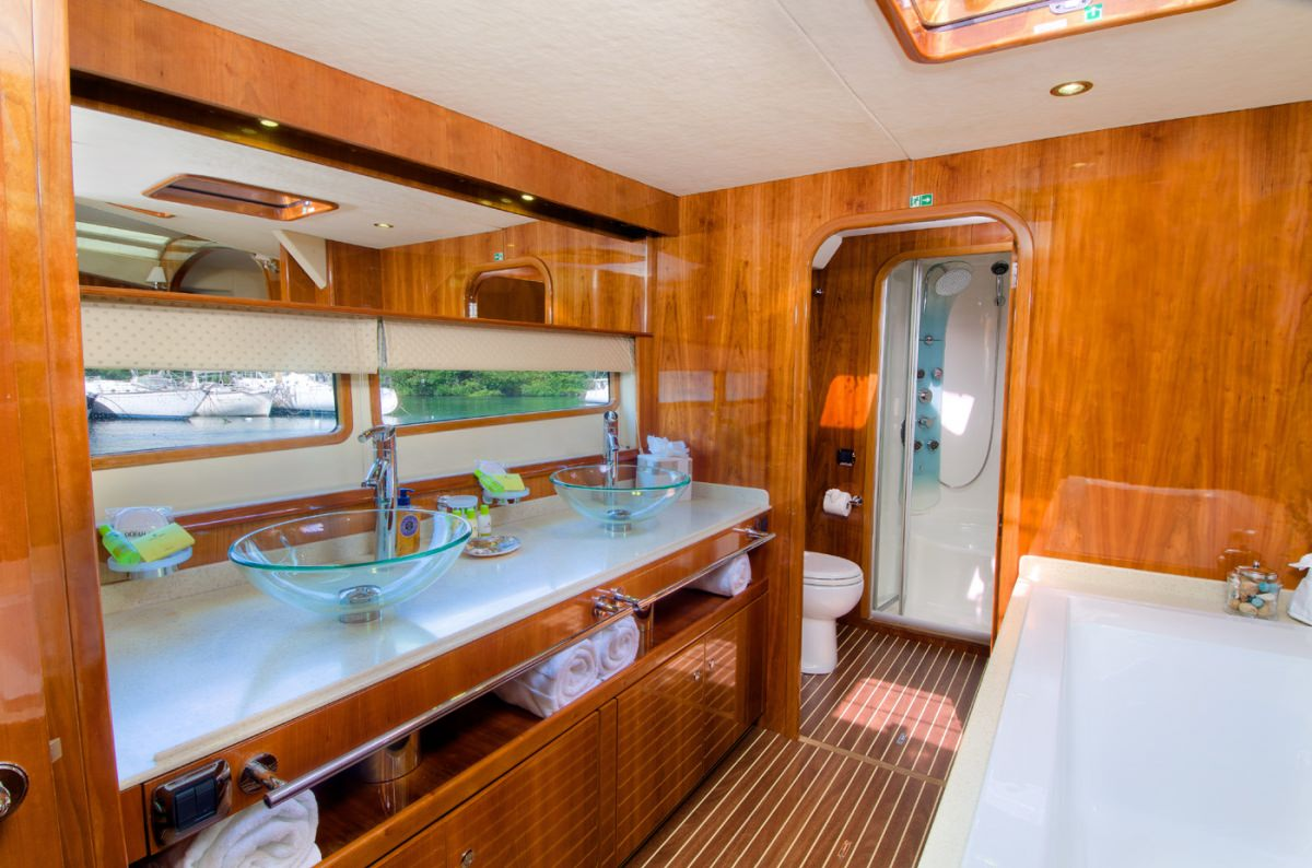 Image of XENIA74 yacht #7