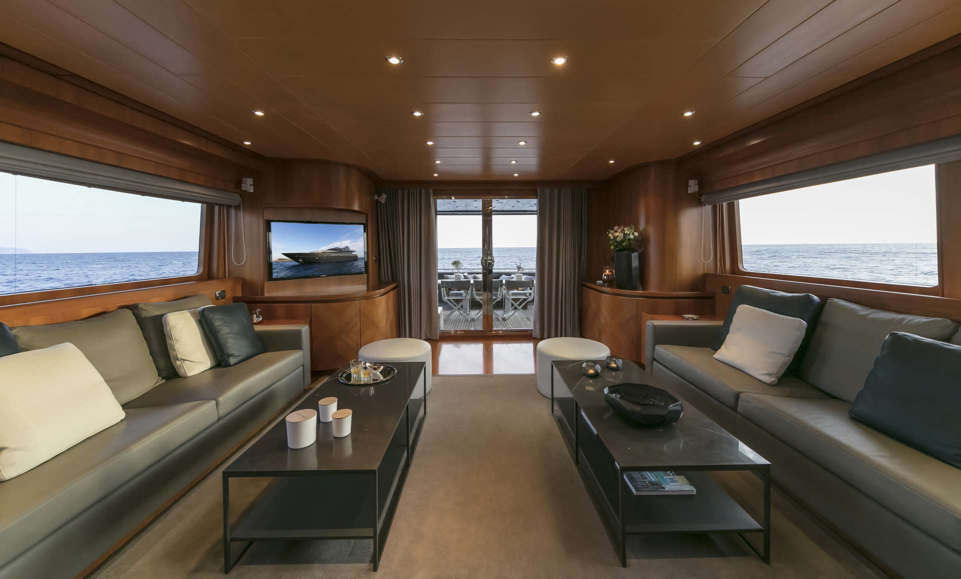 SUMMER DREAMS yacht image # 9