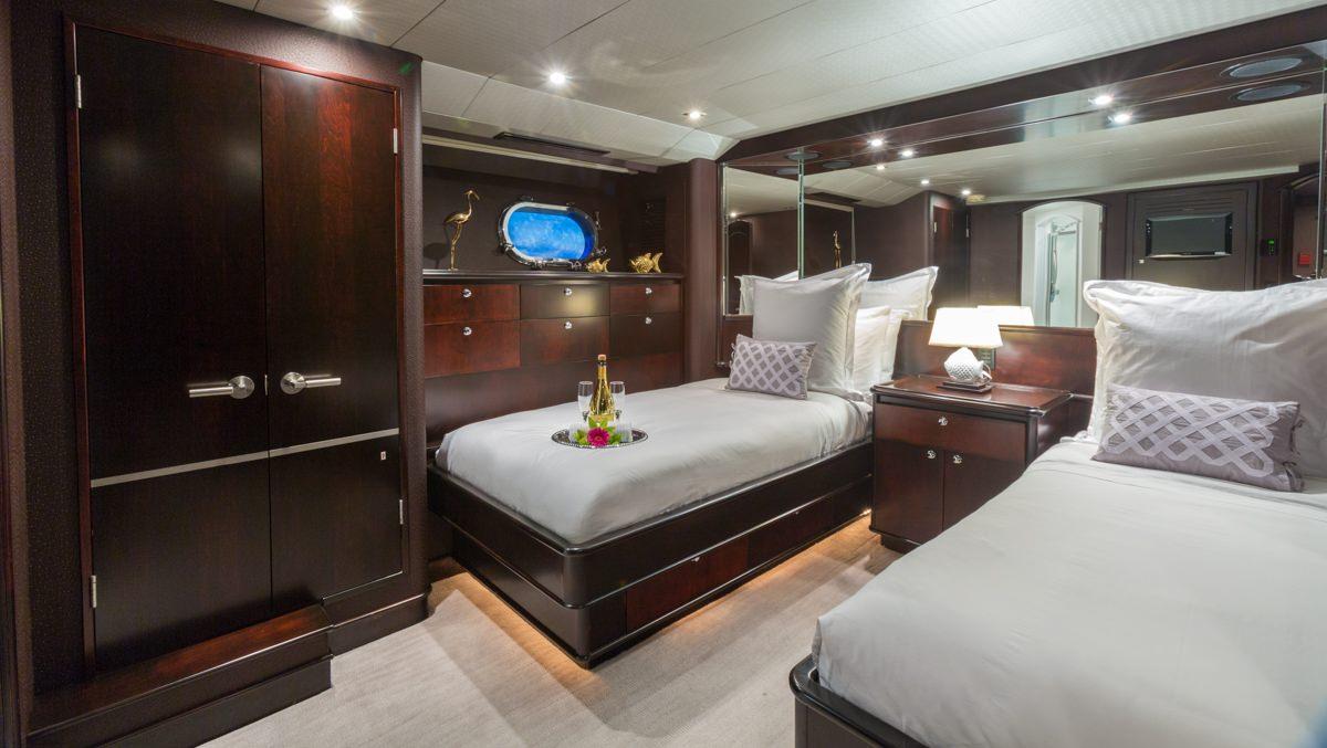 Image of UNBRIDLED yacht #11