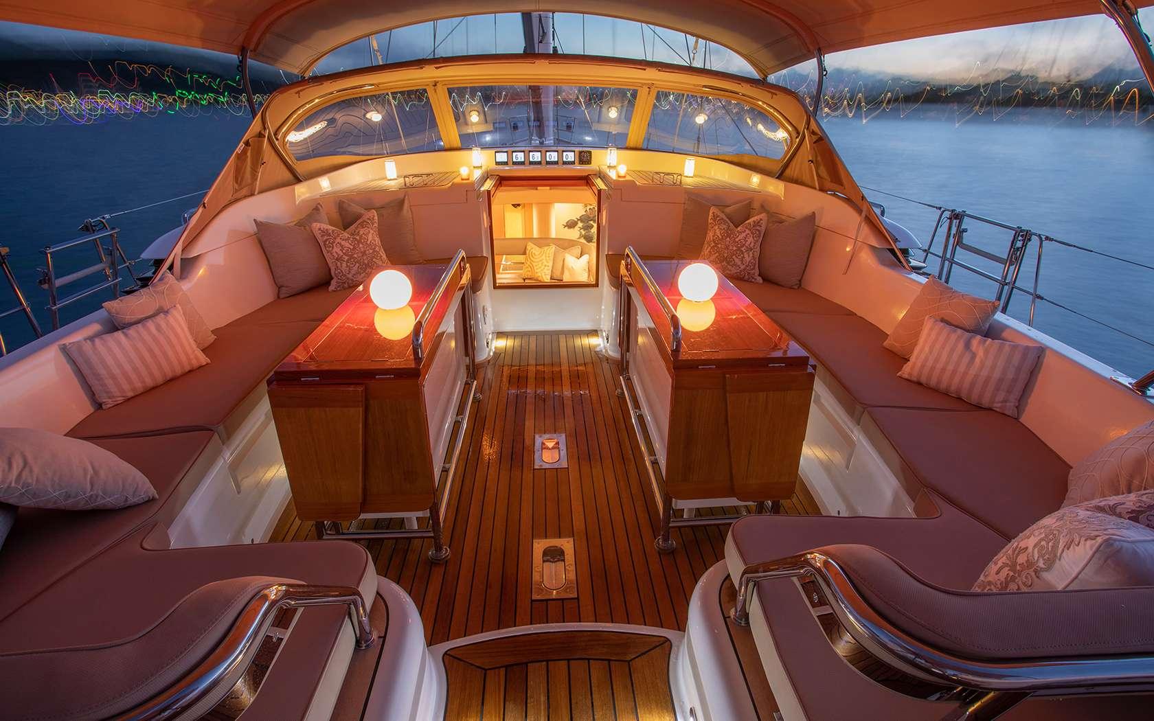Image of DAMA DE NOCHE yacht #4