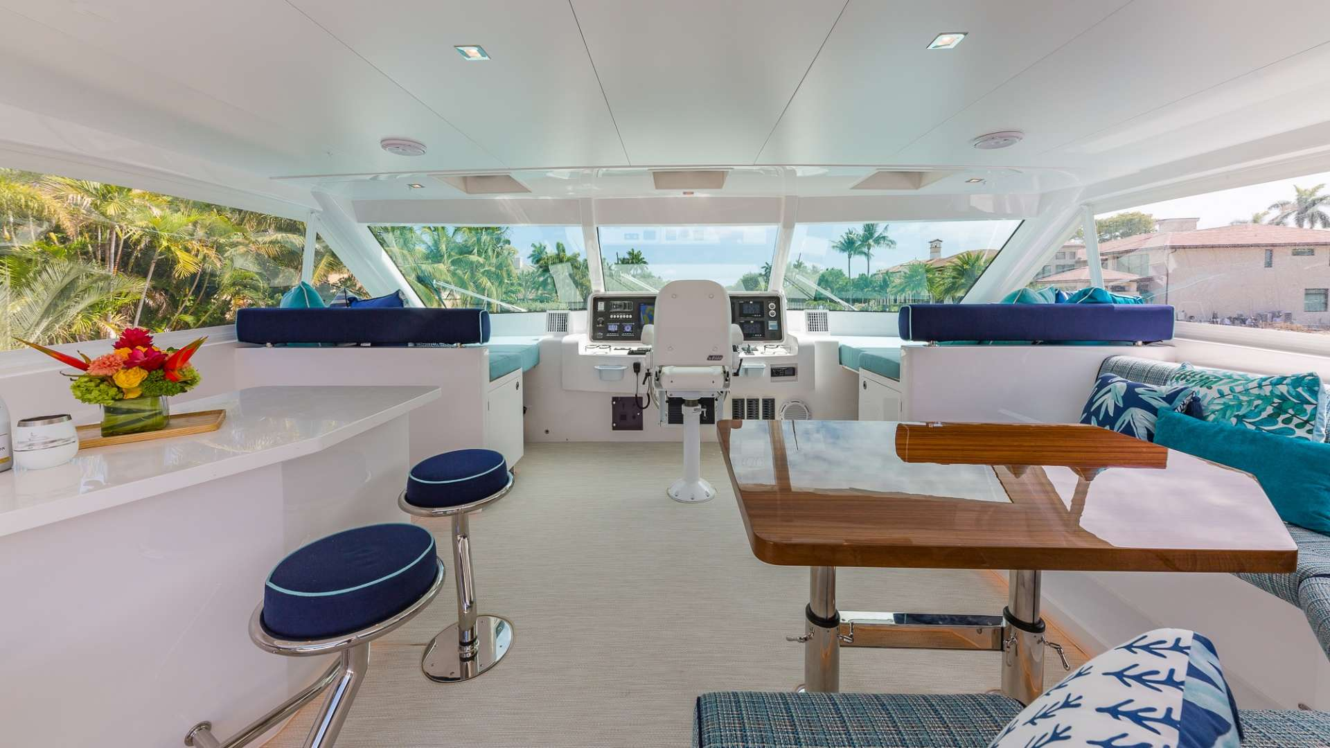 MUCHO GUSTO yacht image # 4