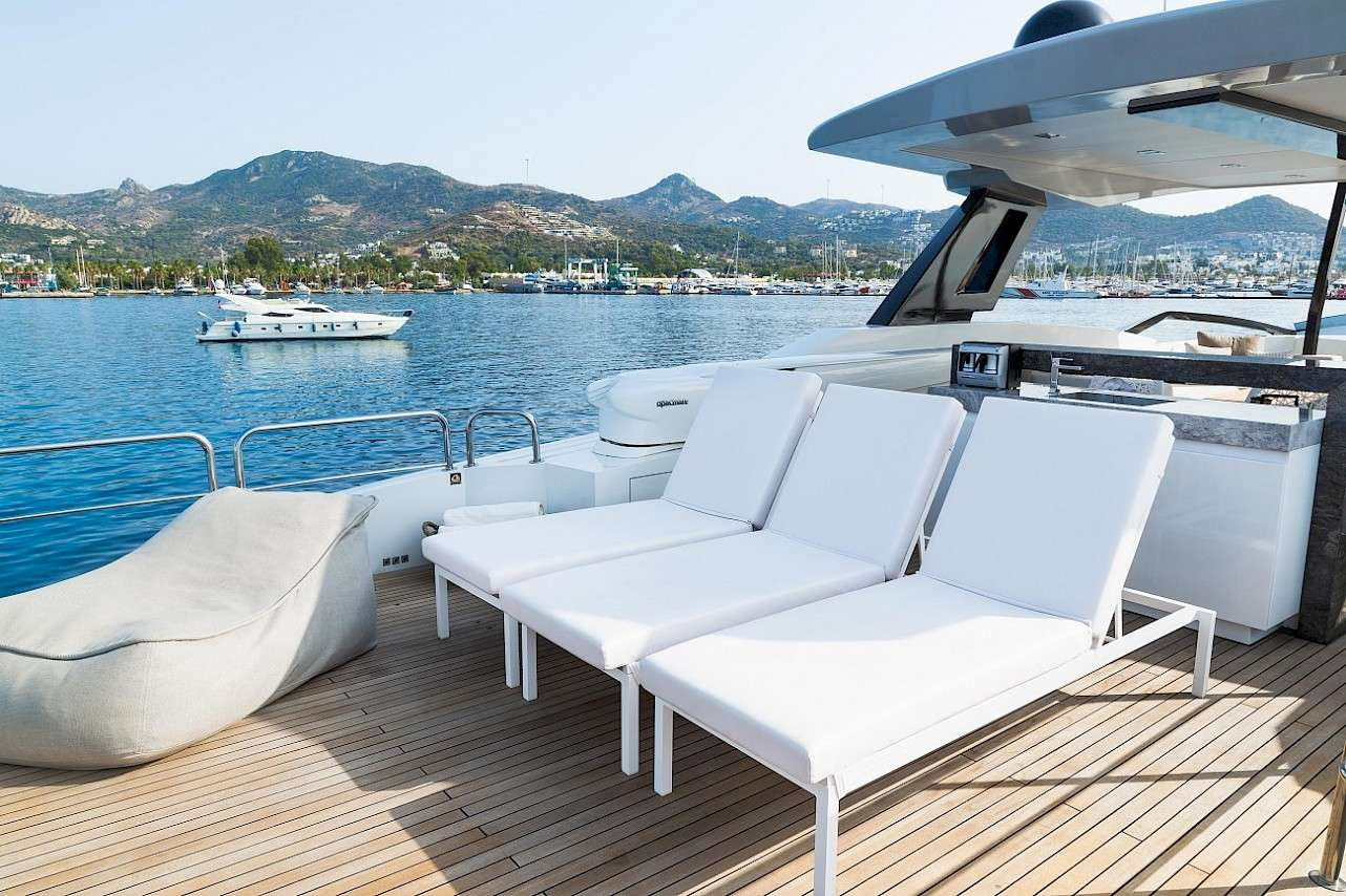 Image of LARA yacht #17