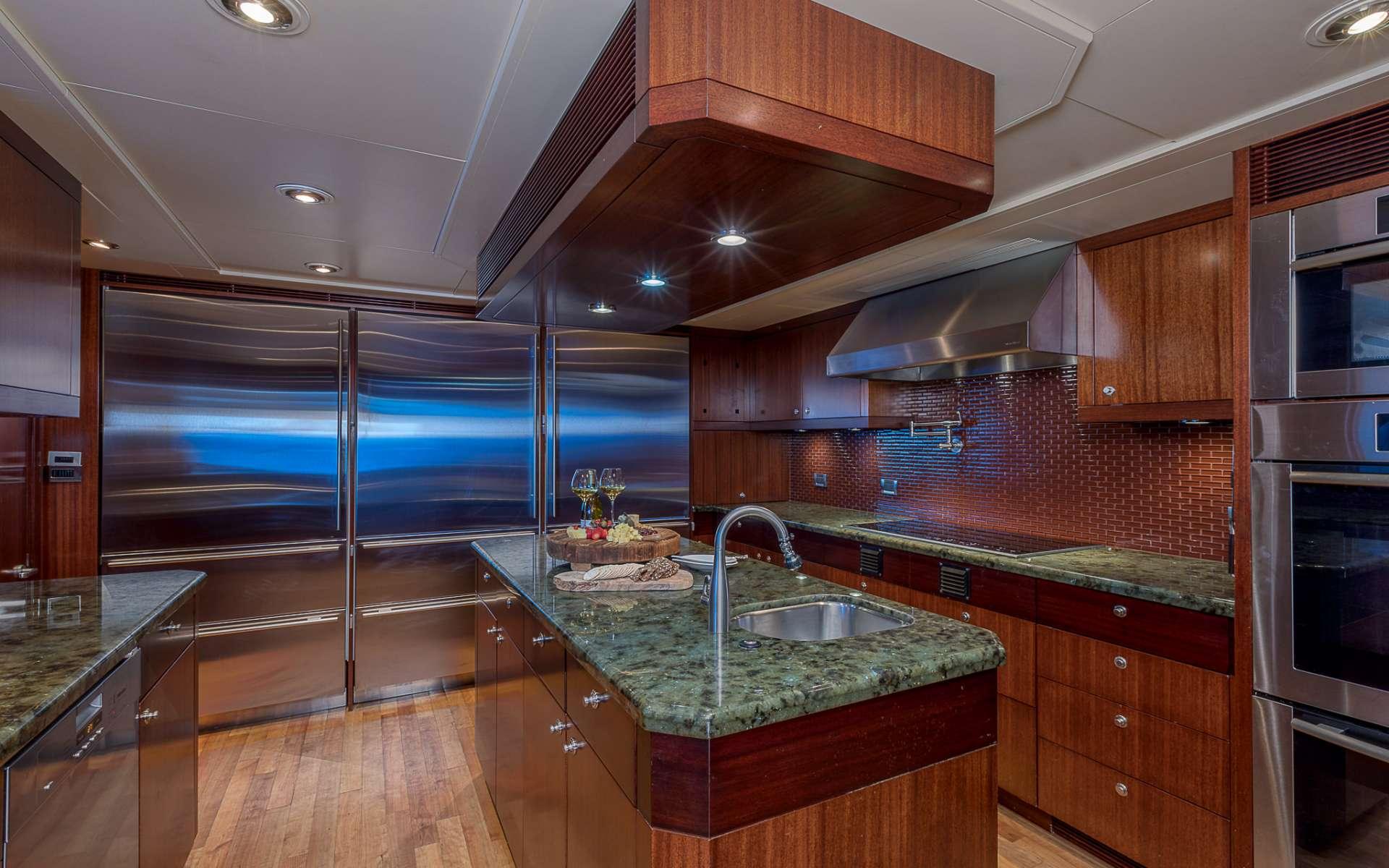 AVALON yacht image # 4