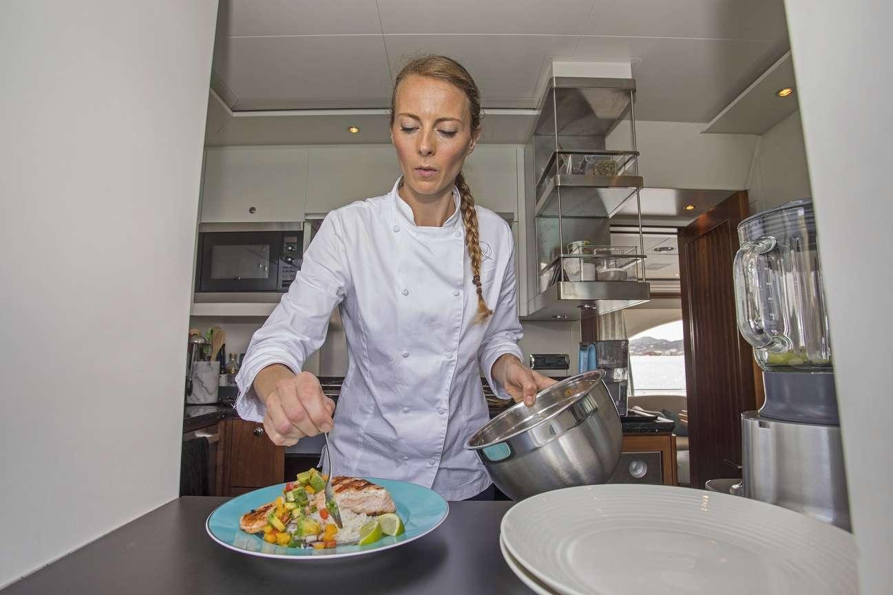 Image of Pura Vida yacht #14