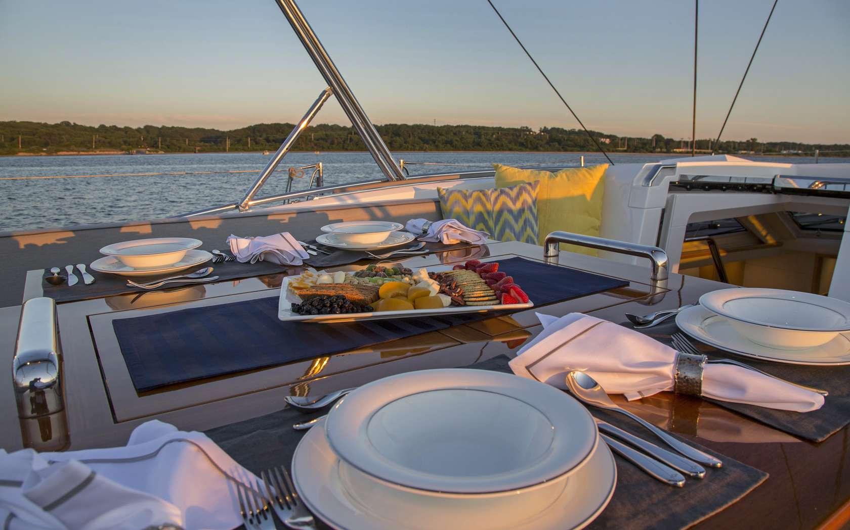 GRAYCIOUS yacht image # 3