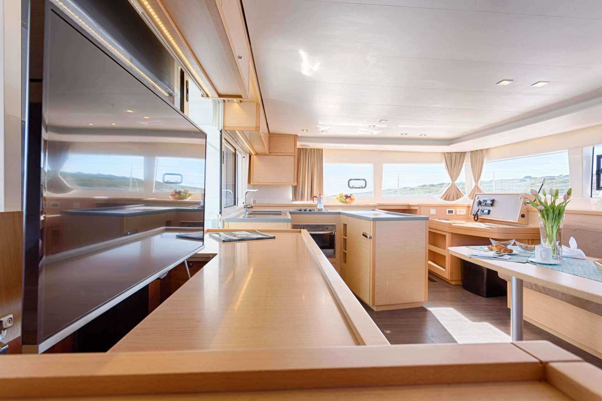 Image of Bright Moon yacht #3