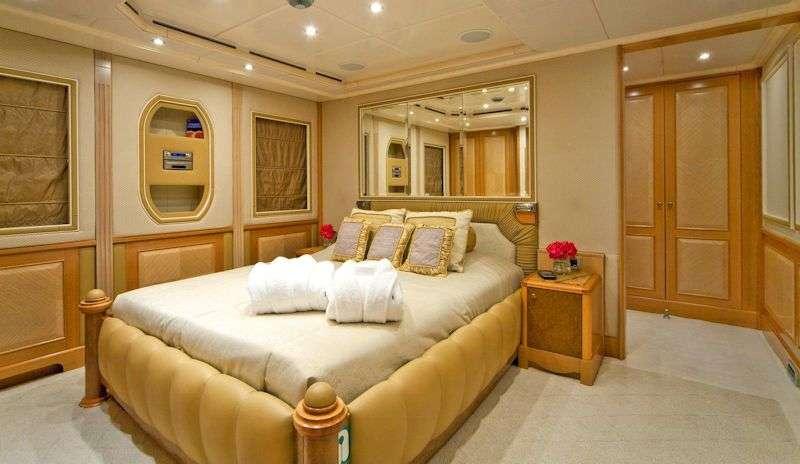 SENSATION yacht image # 7