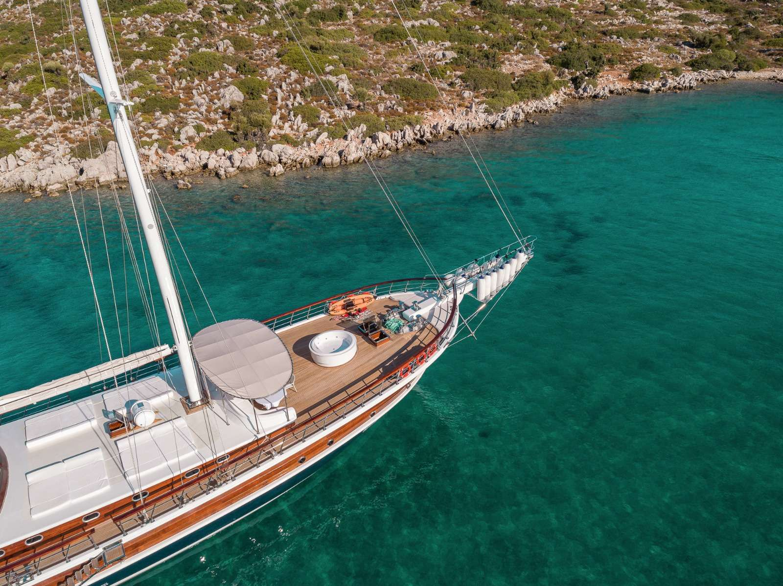 HALCON DEL MAR yacht image # 11