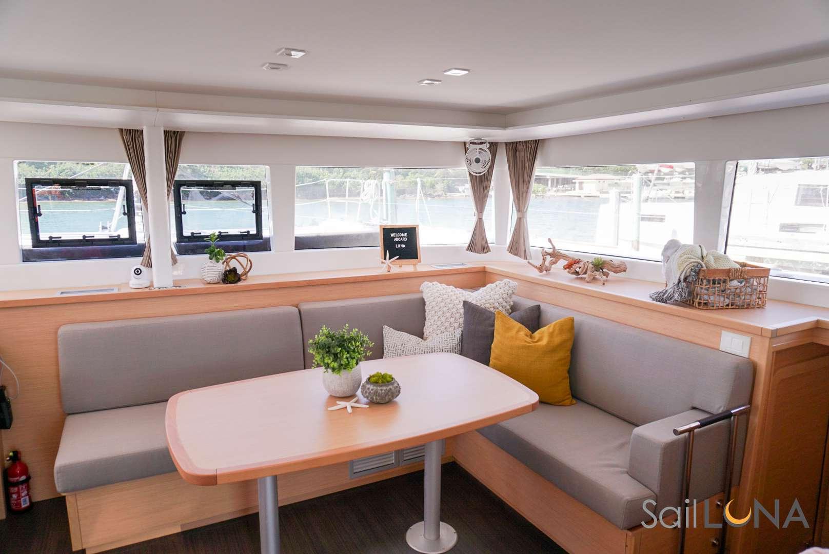 Image of LUNA yacht #2