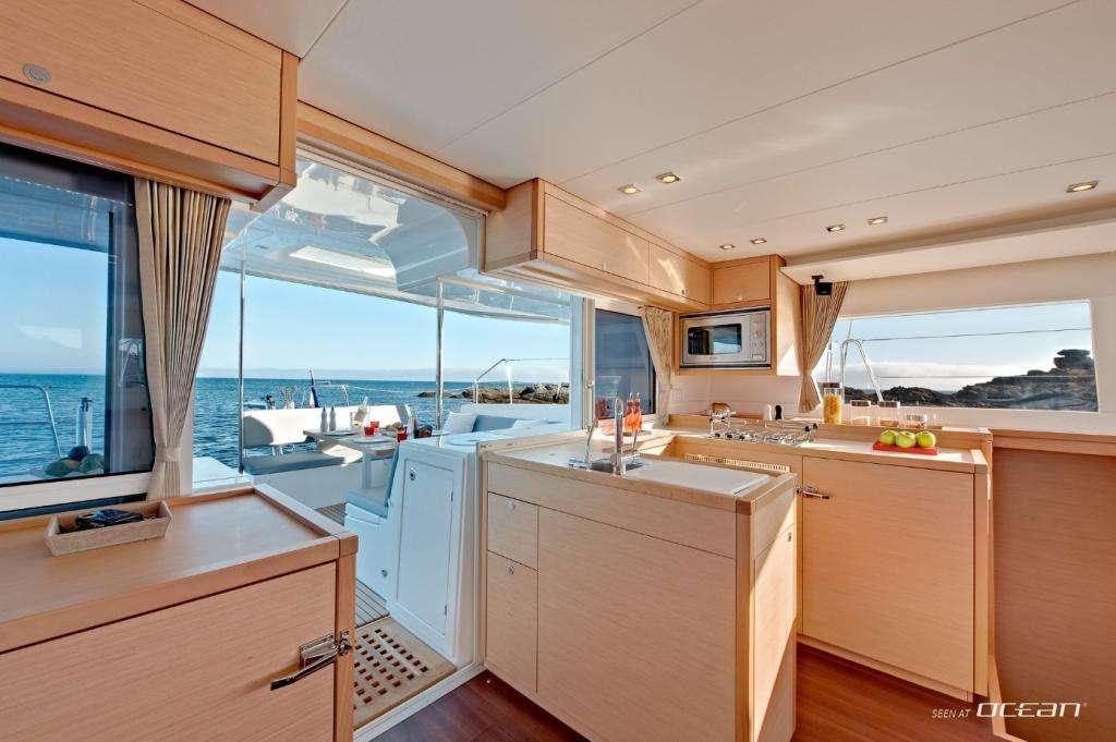 AQUA yacht image # 2
