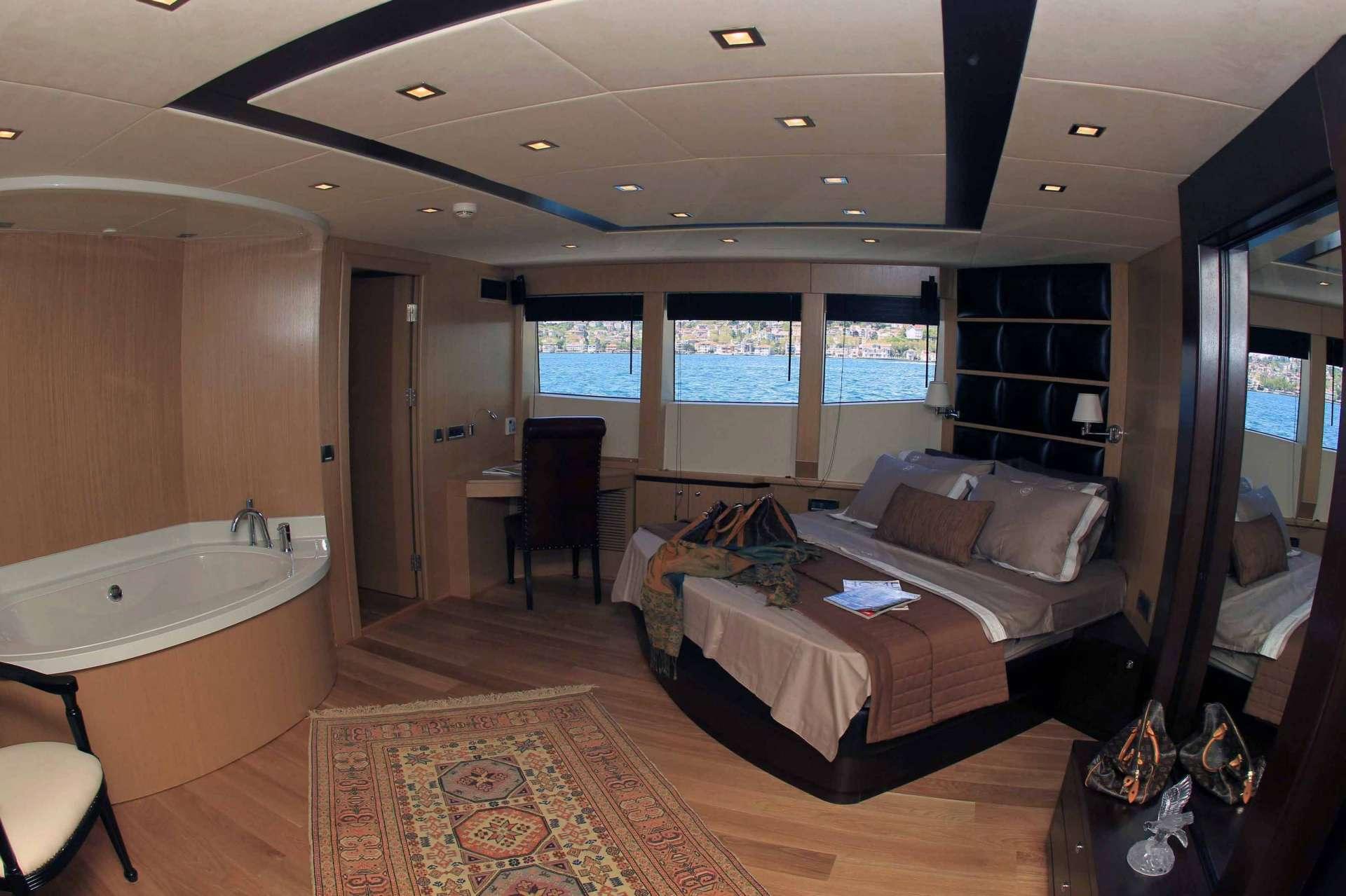 Image of SMYRNA yacht #7