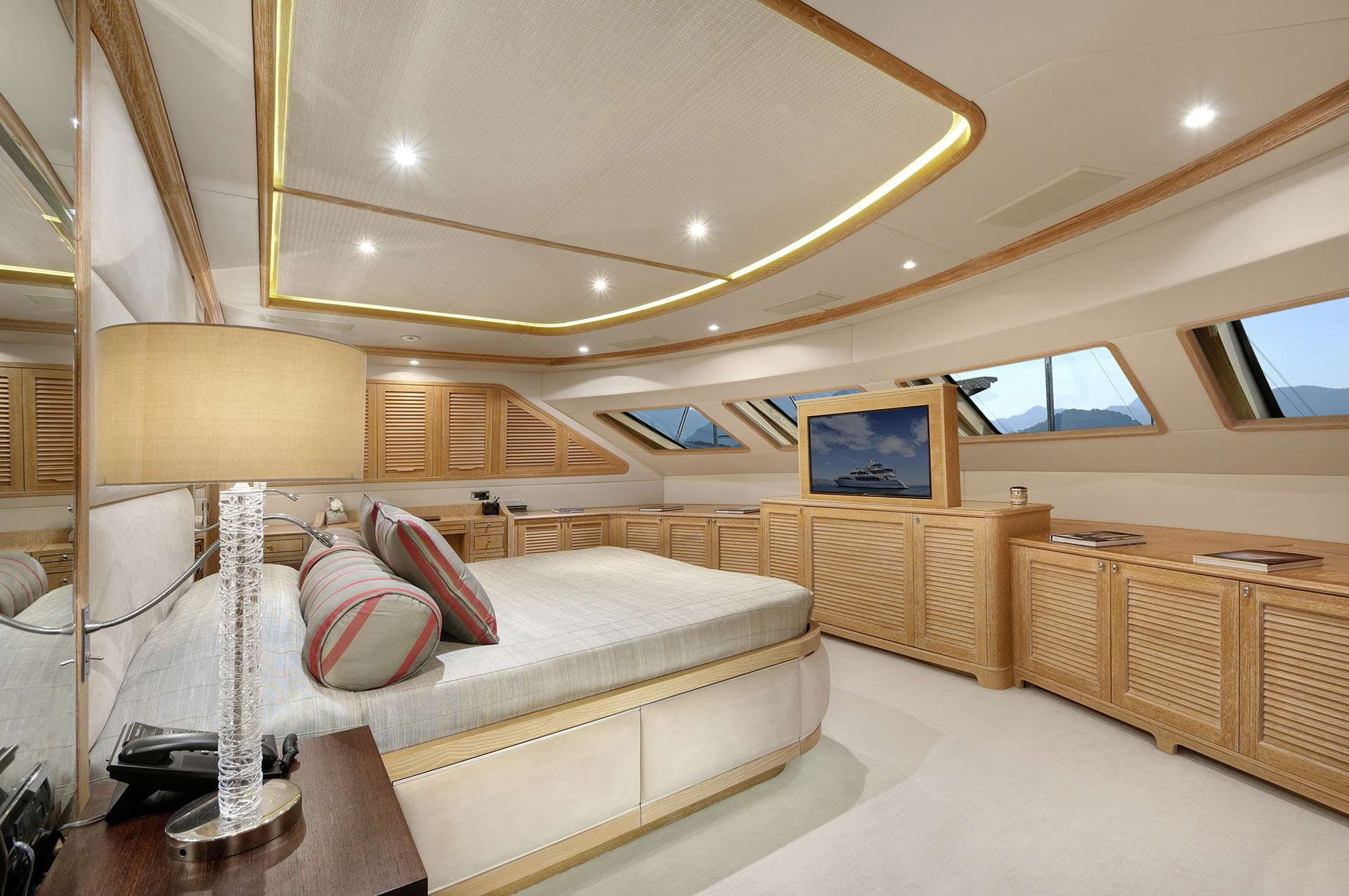 Image of QUEST R yacht #6