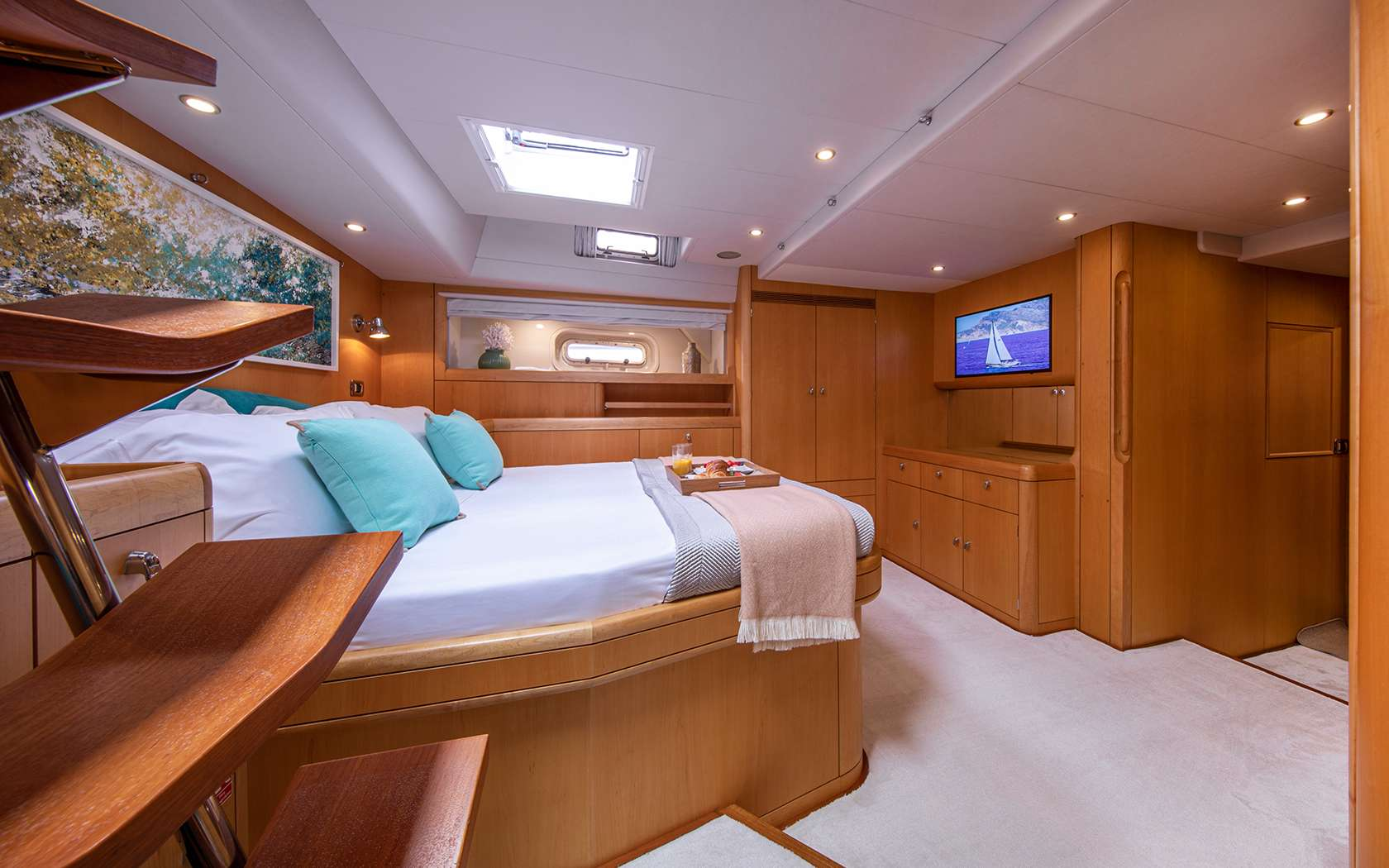 Image of BARE NECESSITIES yacht #7