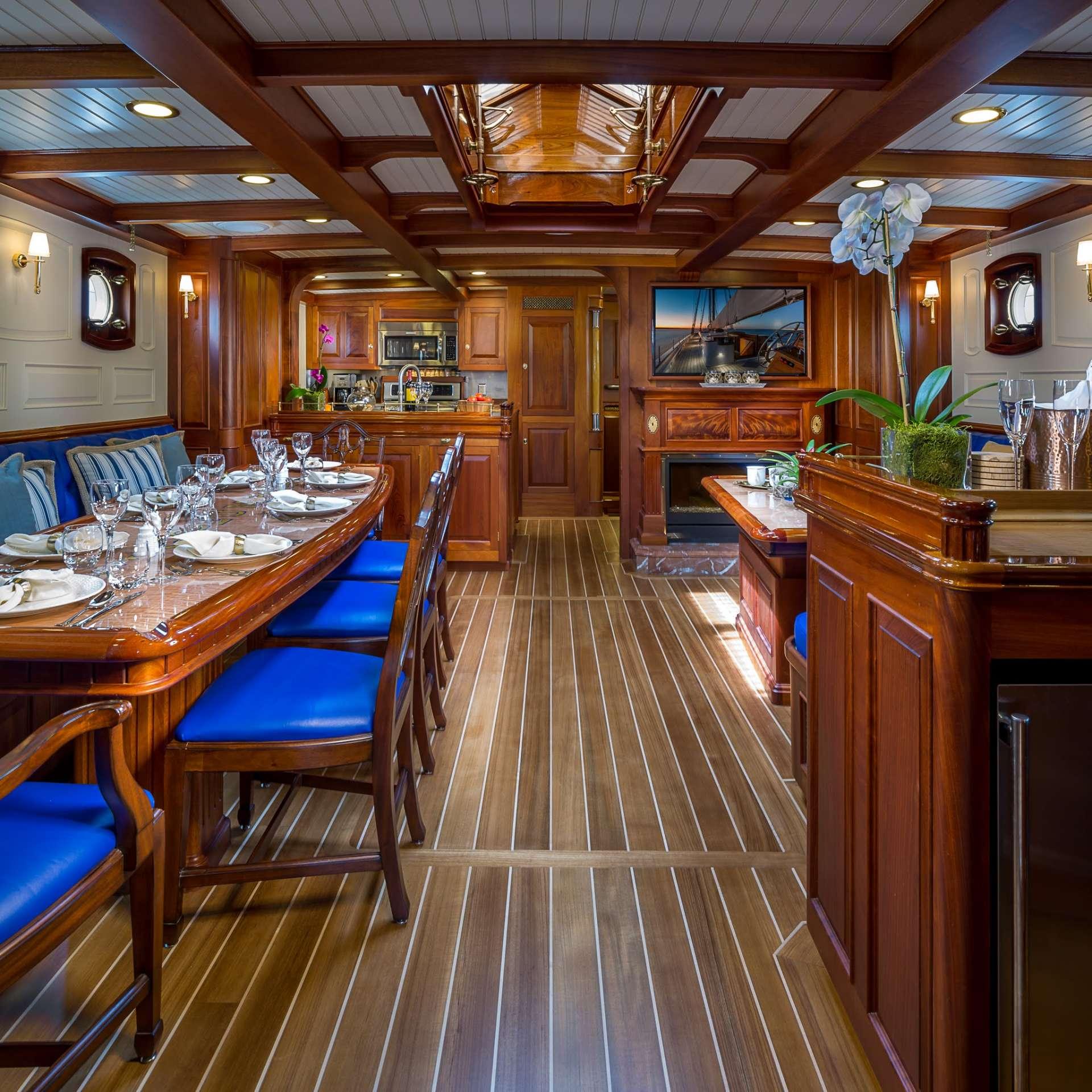 Image of Columbia yacht #2