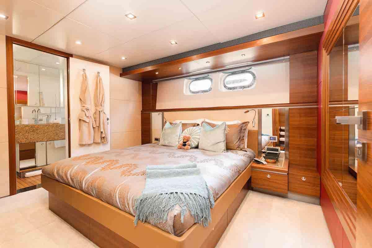 SEA AXIS yacht image # 8