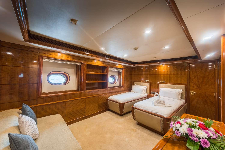 Image of ASHENA yacht #12