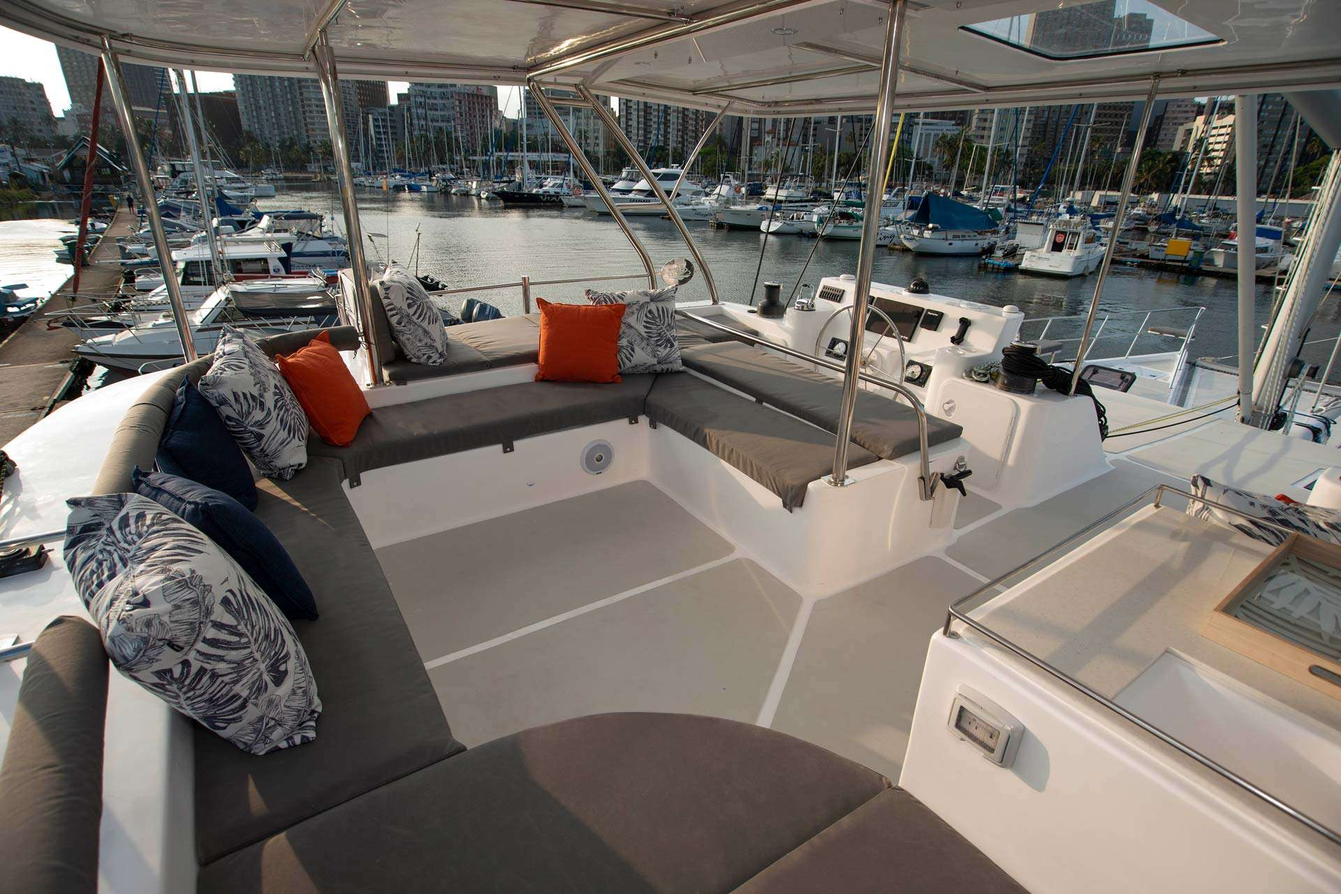 Image of BAREFEET RETREAT yacht #4
