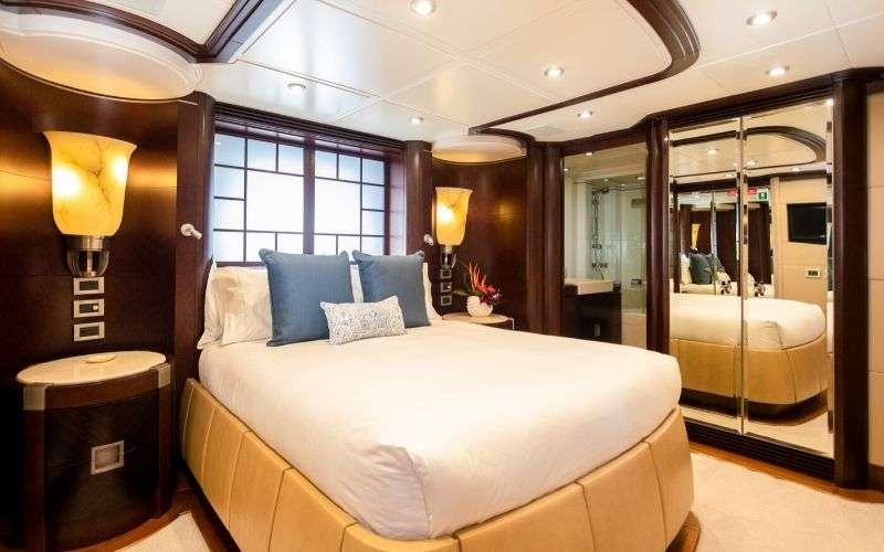 Image of DE LISLE III yacht #8
