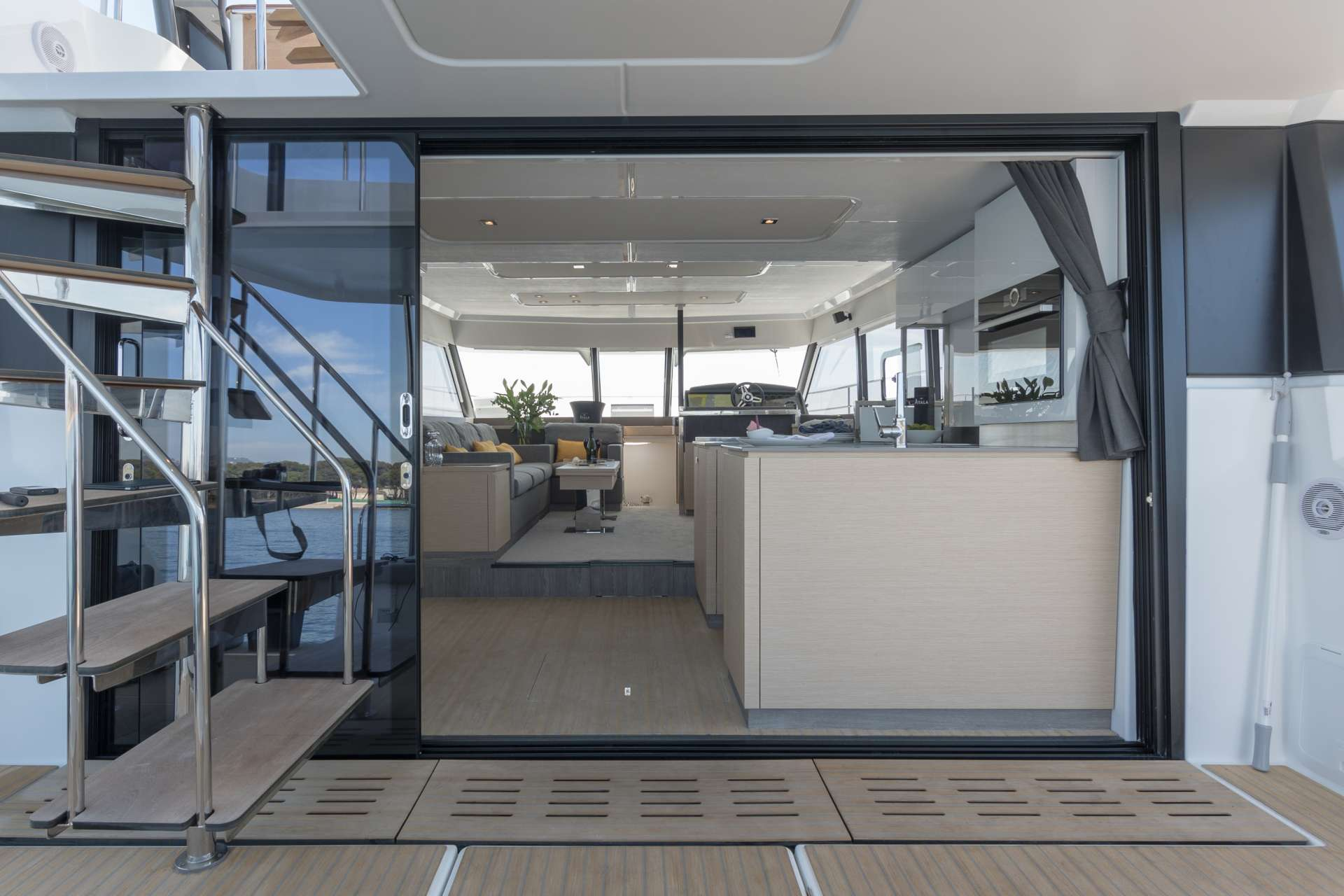 ENDLESS BEAUTY yacht image # 10