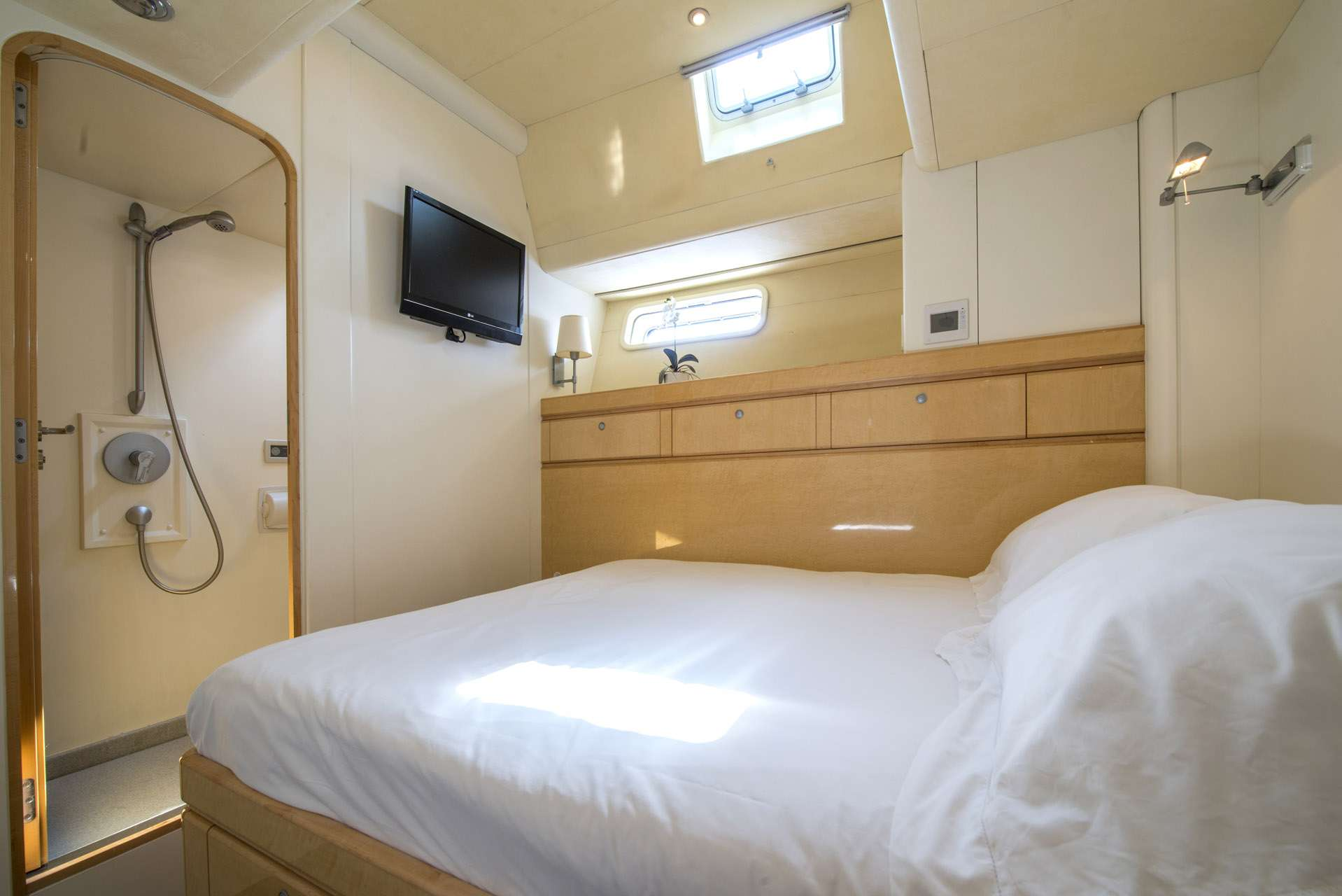 Image of LADY 8 yacht #13
