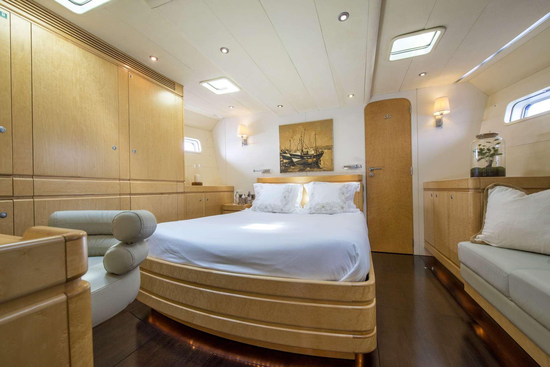 Image of LADY 8 yacht #6