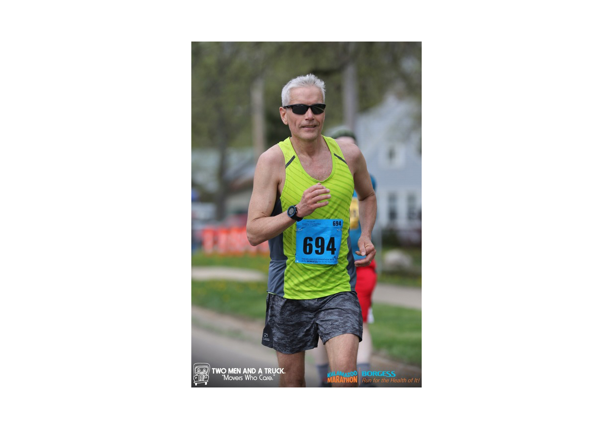 David Anderson running the Kalamazoo Marathon