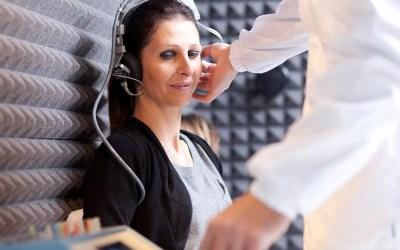 Oportuna atención auditiva mejora calidad de vida de tepatitlenses