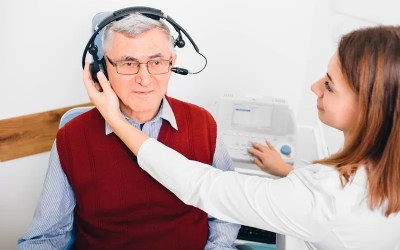 Centro Auditivo Mérida apoya a jaliscienses con pérdida auditiva