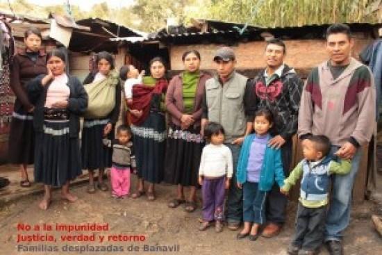 Banavil familias desplazadas
