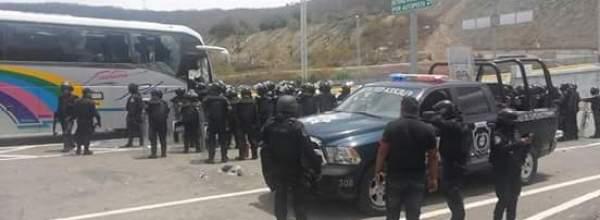 28 mar: Comité estudiantil y padres de los 43 desaparecidos de Ayotzinapa condenan agresión policiaca