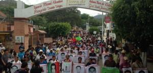 20150606-Tixtla-Gro-Marcha-familias-Ayotzinapa