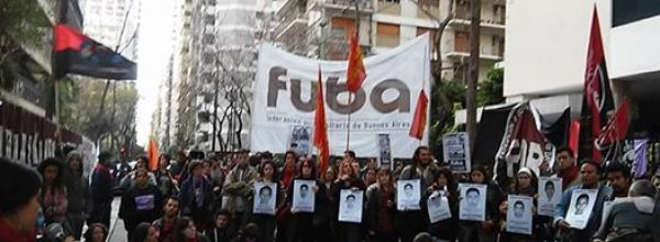 En Buenos Aires exigen la presentación con vida de los 43