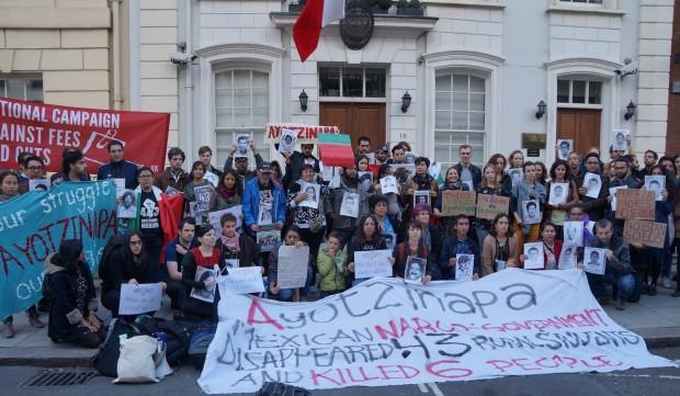 Londres con Ayotzinapa a 1 año 1