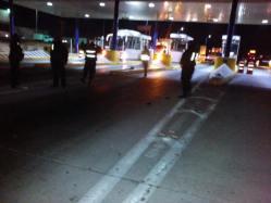 Agreden federales a caravana de Ayotzinapa rumbo a Necaxa 4