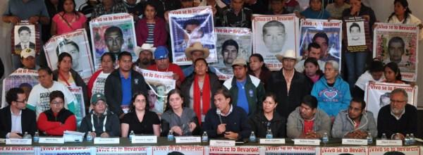 """Ayotzinapa: Peritaje de Equipo Argentino evidencía inconsistencias que derrumban """"verdad histórica"""""""